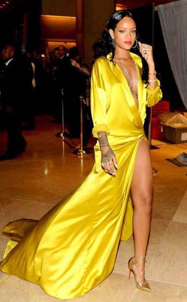 vestido de seda da rihanna