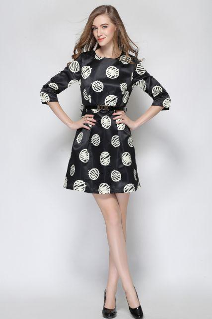 vestido de seda estampado preto e branco