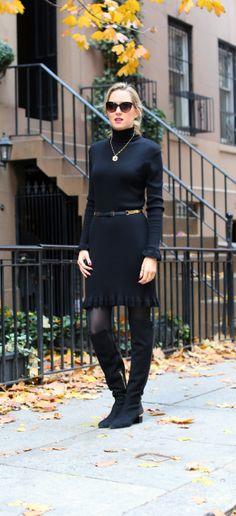 vestido preto com meia preta