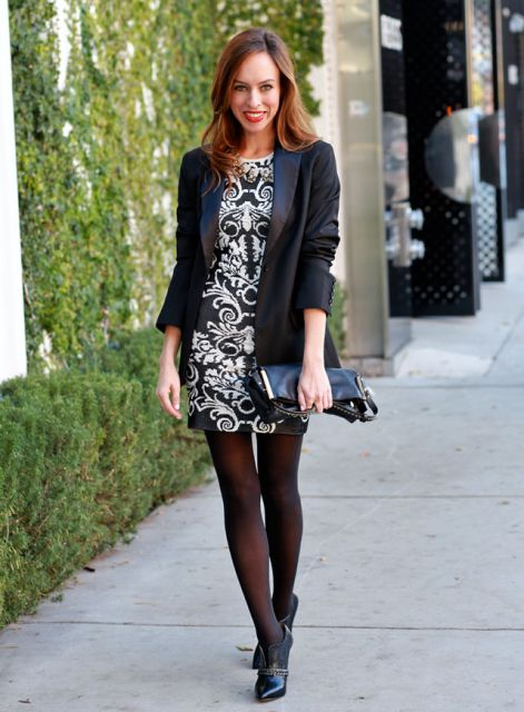 vestido e meia calça e blazer
