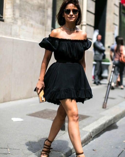vestido ombro a ombro preto curto