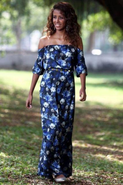 vestido ombro a ombro com flores
