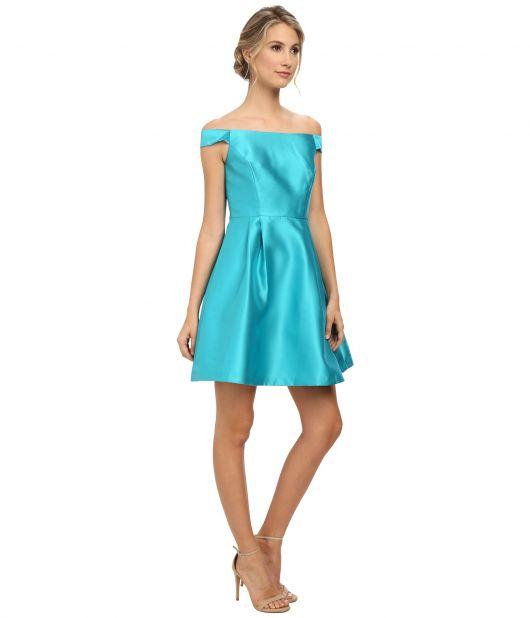 vestido ombro a ombro cetim azul