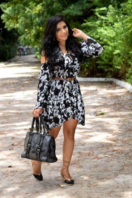 vestido preto e branco curto estampado