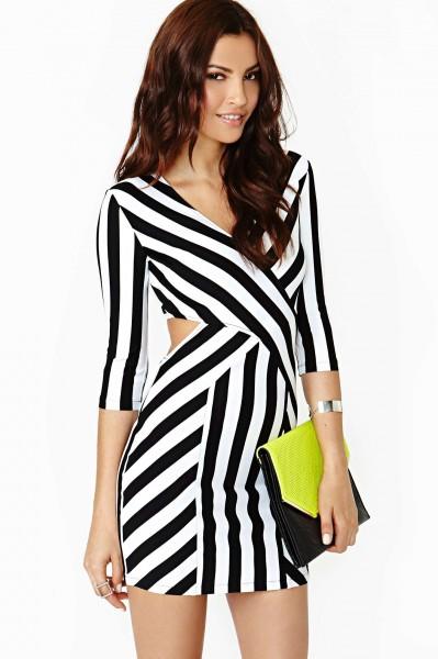 vestido preto e branco listras dagonais