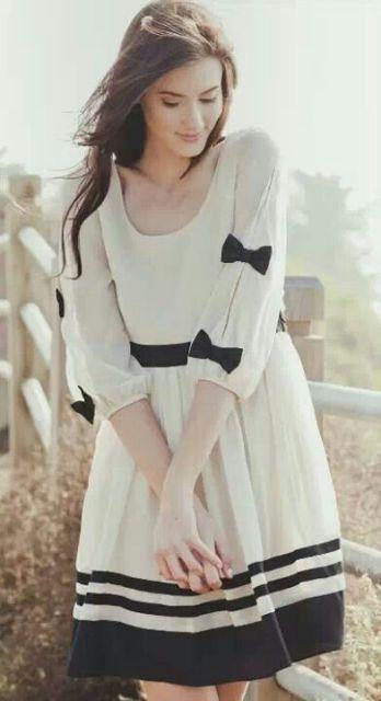vestido preto e branco rodado romântico