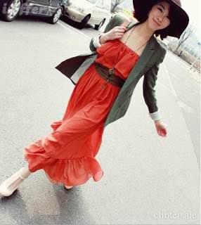 vestido vermelho casual com chapeu