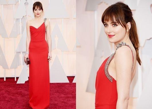 vestido vermelho longo social com detalhe