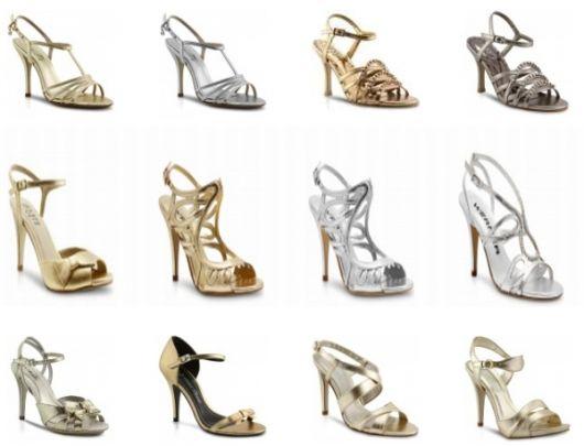 Opções de sandália dourada e prata