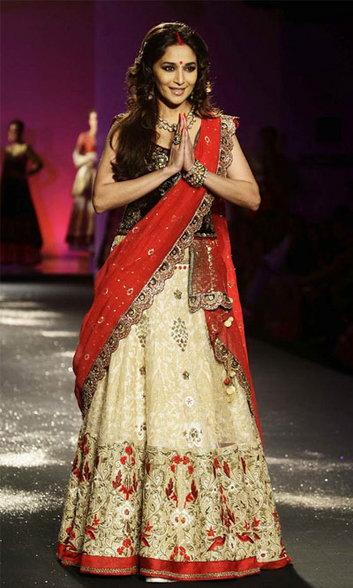 vestido com sari