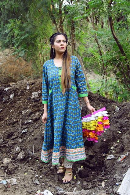 vestido indiano longo azul com mangas