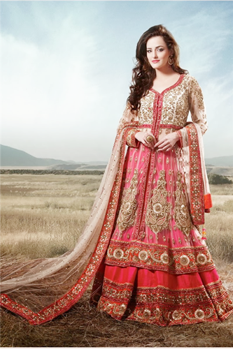 vestido indiano e echarpe