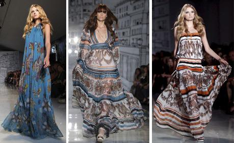 3 modelos de vestido indiano na passarela