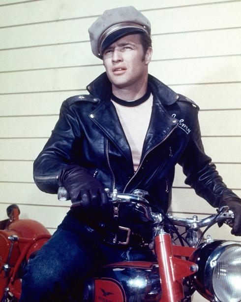 visual com jaqueta anos 60