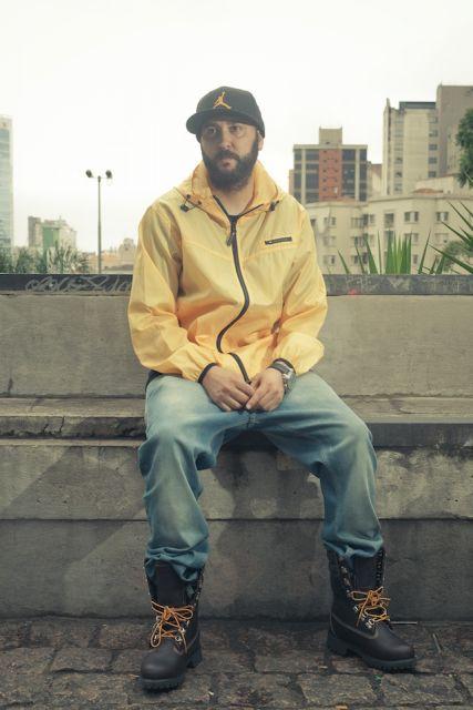 yellow boots preta
