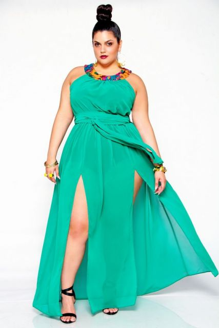 Vestido com fenda plus size verde