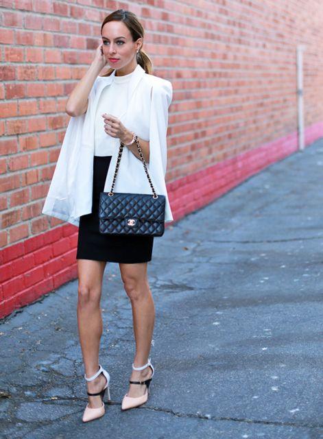 blazer capa com saia preta curta
