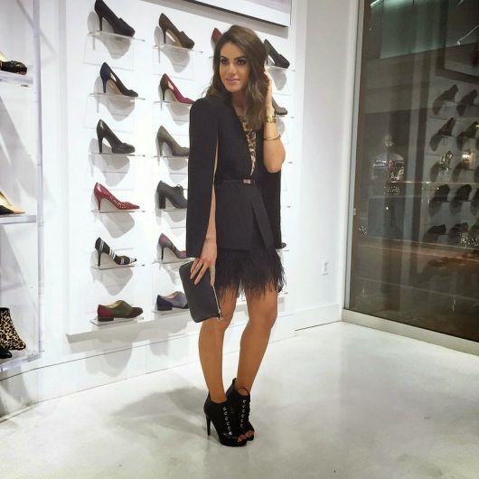 blazer capa e vestido preto