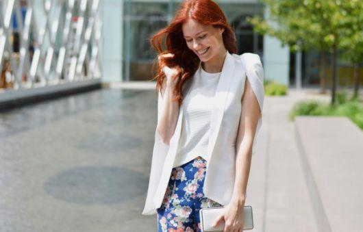 blazer capa com saia floral