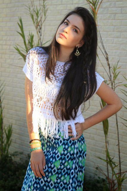 blusa de crochê com franja de manga curta