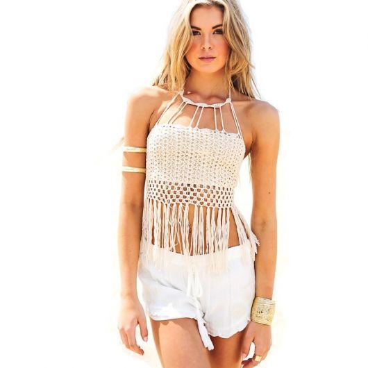 blusa de crochê com franja moda praia