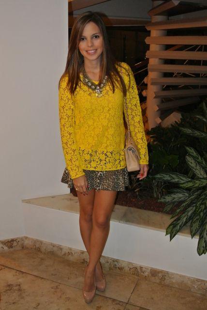 blusa amarela como usar
