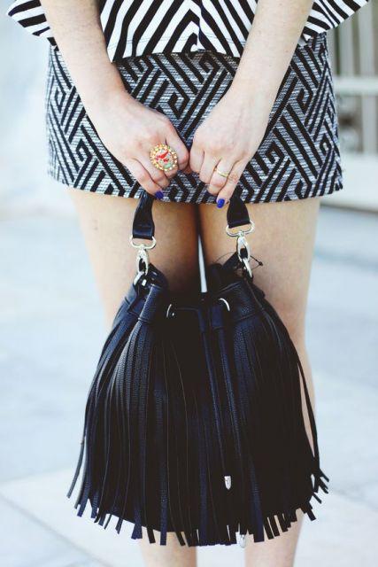exemplo de modelo de bolsa saco com franja