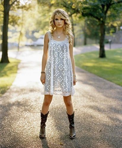 vestido e bota country feminina