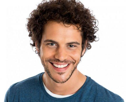 Cabelo ondulado masculino: Como cuidar e 40 estilos!