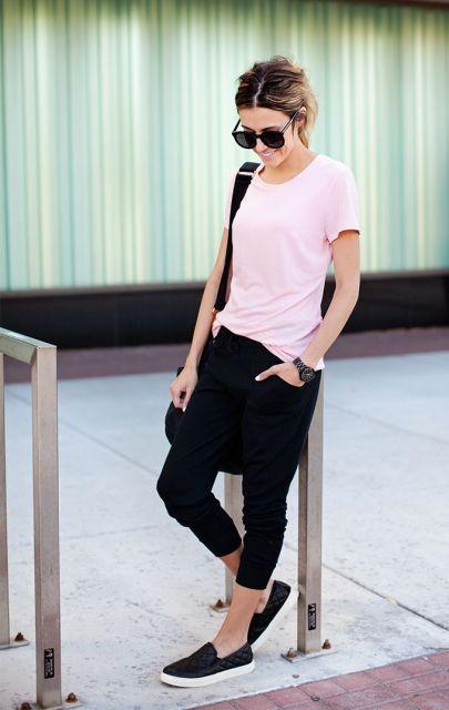 calça pijama preta com t-shirt