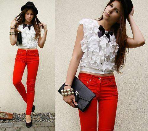 calça com blusa branca