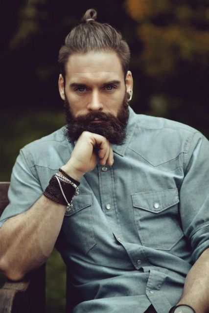 coque e barba lenhador