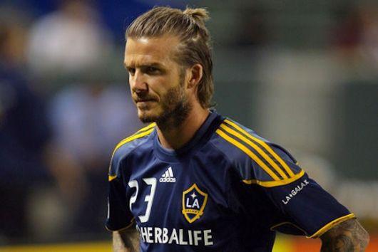 David Beckham apostou em um pequeno coque