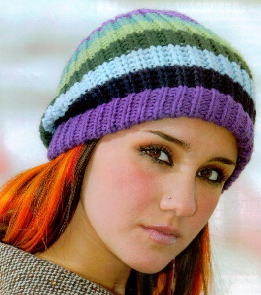 gorro de tricô colorido