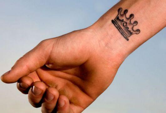 ideias de tatuagens masculinas pequenas