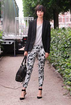 legging estampada floral preto e branco
