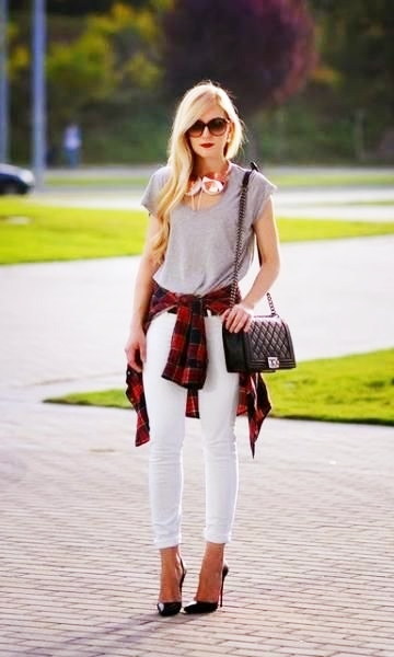 exemplo de looks com calça jeans clara