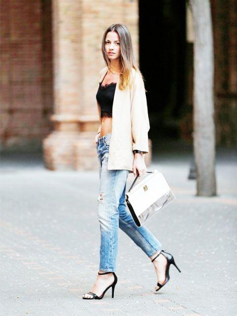exemplo de looks com calça jeans e salto alto