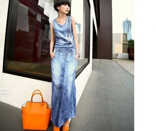 combinar vestido jeans longo com bolsa