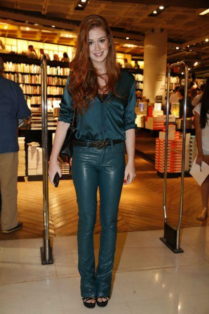 looks da Marina Ruy Barbosa com calça verde