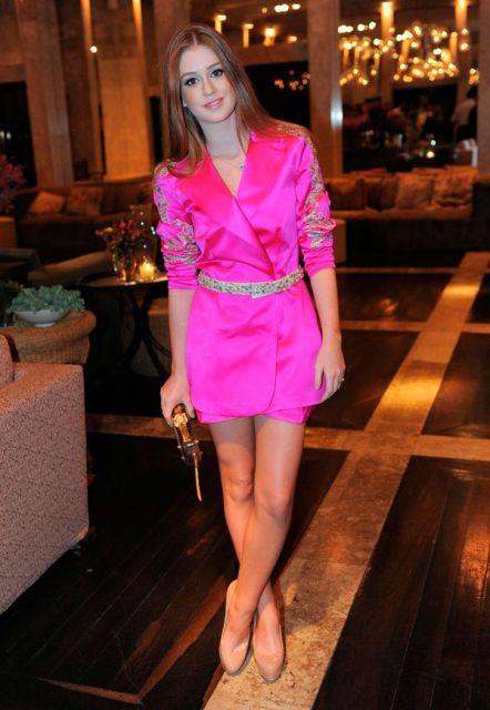 looks da Marina Ruy Barbosa com vestido rosa pink