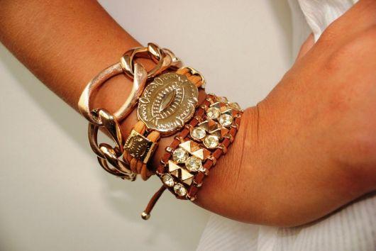 bijuteria de mix de pulseiras