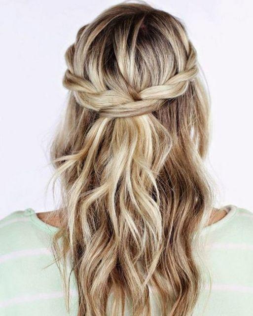 Penteados simples com ondas e tranças