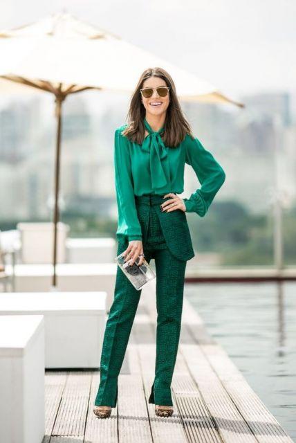 roupa social feminina verde monocromático