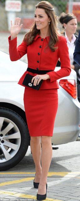 roupa social feminina vermelho