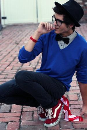 suéter masculino casual com tenis