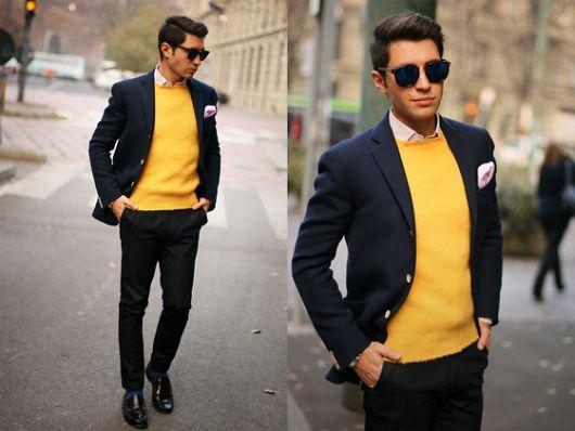 sueter amarelo com terno