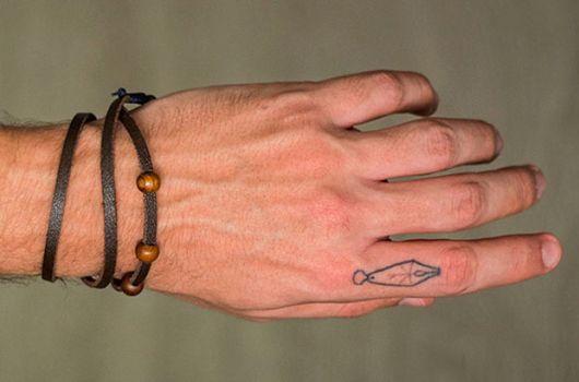tattoo pequena no dedo