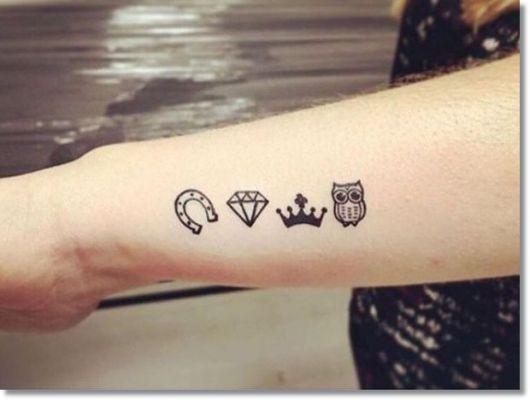 tattoo simbolos discreta