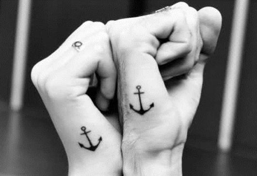 tatuagem ancora casal